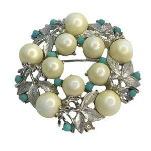 Vintage Sarah Coventry Wreath Brooch Silver Tone